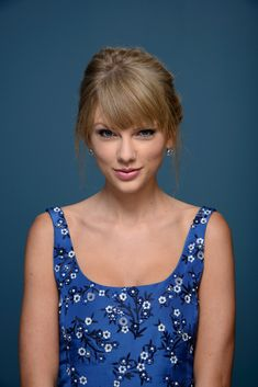 Taylor Swift Photos - Actress Taylor Swift of 'One Chance' poses at the Guess Portrait Studio during 2013 Toronto International Film Festival on September 9, 2013 in Toronto, Canada. - 'One Chance' Potraits in Toronto