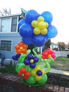 Flower Balloons, Balloon Topiary, Balloon Centerpieces, Balloon Bouquet, Balloon Arch, Balloon Decorations, Balloon Ideas, Fundraising Events, Real Flowers