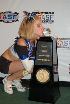 California Allstars winning at cheerleading worlds 2012