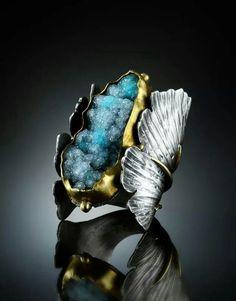 Amy Buettner & Tucker Glasow...... Cobalto Calcite......