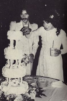 Grace Slick and my brother Skip Johnson getting married in 1976 in Maui, Hawaii.  I was her maiden of honor❤️
