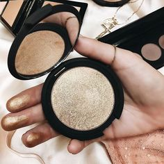 11/10 HIGHLIGHTED UP Forever obsessed with our @beccacosmetics Shimmering Skin Perfector ☆ Use it to highlight the high points of the face, and even in the inner corners of the eye! ✧ Online now, babes. #PrincessPolly