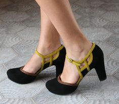 I know, I know...I'm not supposed to wear heels at ALL!  But....Chie Mihara