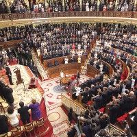 El rey Felipe VI ofrece renovar la monarquía