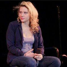She's so beautiful Snl Saturday Night Live, Kate Mckinnon, Strong Women, Girlfriends, Icons, Fan, Beautiful, Fashion, Moda