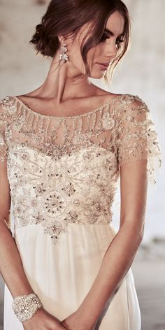 [tps_header] Eternal Heart is a celebration of all things sparkly, sexy and romantic, fit to mark Anna Campbell's 10-year anniversary. From intricate, shimming hand-beading and shoulder loops to guipure lace ba...