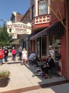 Becky's Old Fashioned Ice Cream Parlor & Emporium - Hannibal Missouri Town, Branson Missouri, Missouri Hiking, Vacation Destinations, Vacation Spots, Vacation Ideas, Vacation Places, Dream Vacations, Weekend Trips