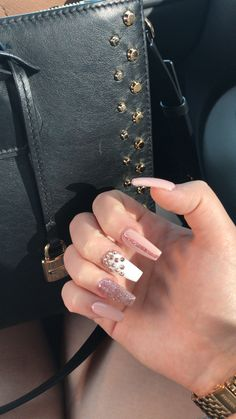 Pink nails w/ studs Bling Nails, Stiletto Nails, Glitter Nails, Best Acrylic Nails, Acrylic Nail Designs, Nail Art Designs, Love Nails, Pretty Nails, My Nails