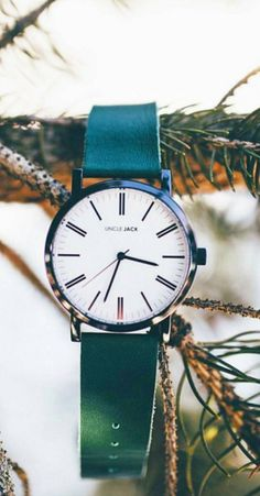 """""""weekend vibes! New arrival watch."""