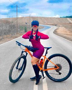 Female Cyclist, Cycling Girls, Female Gymnast, Bicycle Girl, Bike Style, Biker Girl, Curvy Women Fashion, Cycling Outfit, Sport Girl