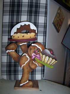 Ginger Gingerbread Man Crafts, Gingerbread Decorations, Gingerbread Cookies, Arte Country, Pintura Country, Homemade Crafts, Crafts To Make, Christmas Love, Christmas Crafts
