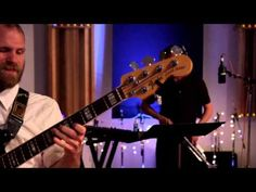 The Reign of Kindo - Romancing a Stranger (Live Sessions 2013) Love this!