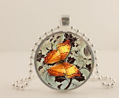 Amber coolor butterfly glass and metal Pendant necklace Jewelry.