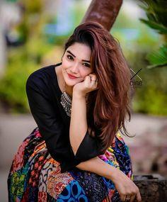 "Pakistani models™ on Instagram: ""@pakistani.modelz . . . . #modelstyle #autogramtags #nikon #mom #modeling #beauty #explore #modelshoot #fun #morning #painting…"" Cute Boy Photo, Cute Girl Pic, Stylish Girls Photos, Girl Photos, Famous Models, Crazy Girls, Western Dresses, Girls Dpz, Beauty Full Girl"