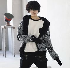 WHY I LOVE IT:  #1 Digging the tomboyish look  #2 Great outfit for autumn/fall  #3 Black and White? 'nuff said.