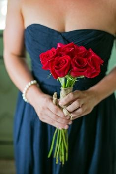 Love the red against the navy blue. May have found my wedding colors! @lckcrutcher08 yea or nea?!?