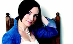 Julie Fowlis review – 'Scottish Gaelic songs with clear, gently thrilling vocals'