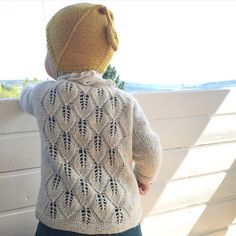 Ravelry: Løvfalljakke / Falling Leaves Jacket pattern by Strikkelisa