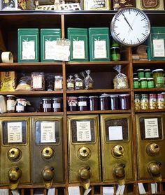 Ulbrichs Kaffeerösterei: neben 5 zertifizierten Bio-Kaffeesorten bietet der Familienbetrieb 4 Kaffeemischungen und 14 sortenreine Kaffeespezialitäten an.