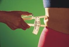 How To Measure Your Body Fat % Using Calipers. This in-depth guides teaches you how to calculate your body fat percentage and measure your progress using skin fold calipers. This is the most accurate method to measure your body fat. Fast Weight Loss, Weight Loss Program, Healthy Weight Loss, Weight Loss Tips, How To Lose Weight Fast, Reduce Weight, Losing Weight, Weight Gain, Loose Weight