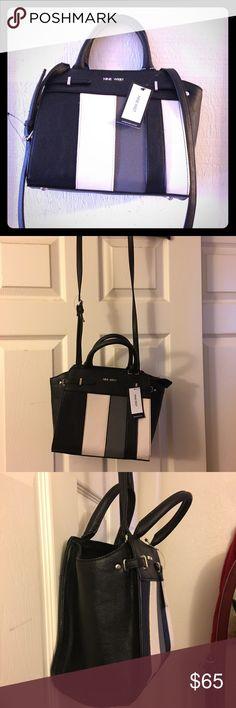Nine West bag 💜price drop 💜 Yellow Purses, Brown Purses, Black Purses, Cross Shoulder Bags, Green Shoulder Bags, Shoulder Strap, Pink Handbags, Purses And Handbags, White Crossbody Bag