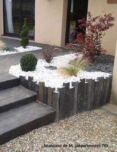 Slate vine – house garden design - All For Garden Outdoor Landscaping, Front Yard Landscaping, Outdoor Gardens, Home Garden Design, Home And Garden, White Gravel, Garden Projects, Garden Inspiration, Garden Furniture