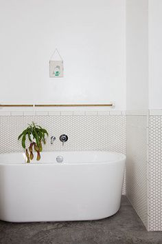15 projetos de banheiros com pastilhas selecionados pelo Pinterest - Casa