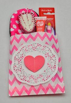Craft Queen Blog: Party bag idea