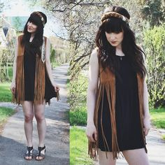 Urban Outfitters Fringe Vest, Volcom Gladiator Sandals, Forever 21 Black Dress