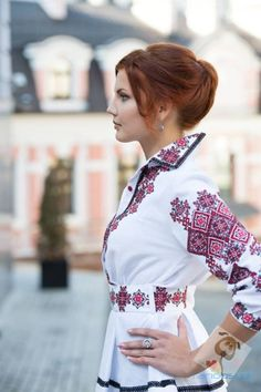 Madly in love with this! Old world detailing with a business collar and peplum bottom. Ukraine, Folk Fashion, Ethnic Fashion, Ethno Style, Palestinian Embroidery, Embroidered Clothes, Folk Costume, Couture, Traditional Dresses
