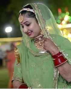 Shivani Rathore 💫 Royal Dresses, Indian Dresses, Indian Outfits, Indian Blouse, Indian Wear, Rajasthani Dress, Rajputi Dress, Cute Baby Photos, Indian Princess