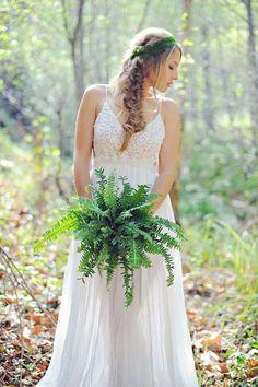 greenery fern wedding bouquet / http://www.deerpearlflowers.com/greenery-fern-wedding-ideas/