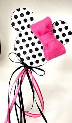 Minnie Mouse Dress Up Wands, fairy wand, Minnie Mouse Dress Up, Mickey Mouse, Disney Clothes, Disney Outfits, 1st Birthday Photos, Birthday Parties, Baby Your Baby, Fairy Wands, Felt Bows