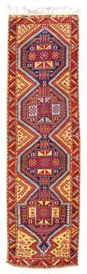 Anatolian gallery,    Turkey, c. 382 x 104 cm, beginning of the 20th century  I Dorotheum Sale Sept 2015