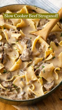 Delicious Crockpot Recipes, Crockpot Dishes, Crock Pot Slow Cooker, Crock Pot Cooking, Beef Dishes, Pasta Dishes, Food Dishes, Slow Cooker Recipes, Beef Recipes