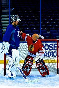 Ben Bishop (Current Lightning Goalie) and Darren Pang (Ex Hawks goalie) - Ben is a giant. Look at Panger. Goalie Gear, Goalie Mask, Hockey Goalie, Hockey Teams, Hockey Players, Ice Hockey, Nhl, Funny Hockey Memes, Hockey Season