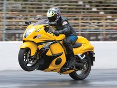 Retro motorcycle design is hot right now, and it's a great time to shop for one because this trend isn't just for high-dollar machines. Suzuki Hayabusa, Motos Yamaha, Yamaha Bikes, Ducati, Futuristic Motorcycle, Retro Motorcycle, Suzuki Motorcycle, Motorcycle Design, Custom Street Bikes