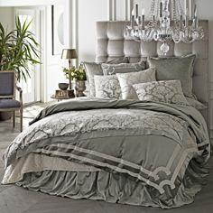 Versailles Silver Velvet Bedding