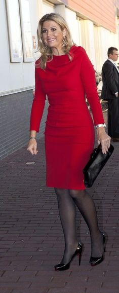 Princess Maxima Photos Photos - Princess Maxima of The Netherlands attends the Prince Bernhard Culture Fund Awards on November 2011 in Amsterdam, Netherlands. Love Her Style, Looks Style, Style Royal, Royal Queen, Elegantes Outfit, Queen Maxima, Royals, Royal Fashion, Look Chic