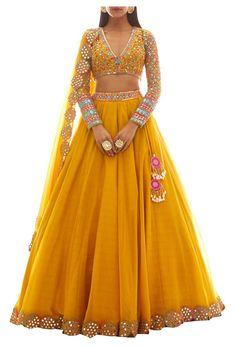 Indian Fashion Dresses, Indian Bridal Outfits, Indian Gowns Dresses, Dress Indian Style, Indian Designer Outfits, Party Wear Indian Dresses, Party Wear Lehenga, Lehnga Dress, Lehenga Choli