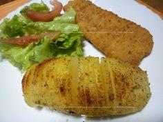 Batatas fatiadas assadas no forno  http://receitasdaromy.blogspot.pt/2014/09/batatas-fatiadas-assadas-no-forno.html#comment-form