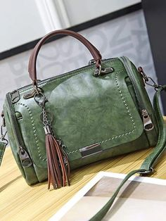 SY Creative Fashion Multi-Function Male Chest Bag Shoulder Bag Head Layer Cowhide Oil Wax Leather Diagonal Bag Retro Casual Chest Bag for Men Brown