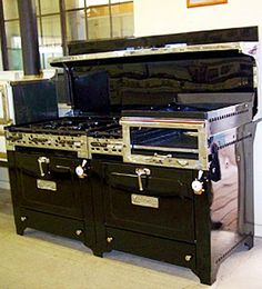 Love vintage stoves..1930's Wedgewood with 8 burners & double oven