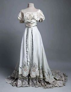 Evening dress, Hummel, Vienna, ca. 1906–07. Silk rep, silk voile, and lace. Museum of Arts & Crafts, Zagreb