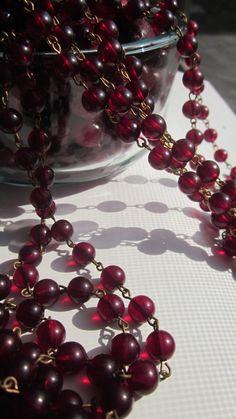 A Yard And A Half Of Vintage Cranberry Lucite Beaded Chain Plum Wine, Burgundy Wine, Dark Autumn, Deep Winter, Shades Of Burgundy, Burgundy Color, Magenta, Color Borgoña, Marsala Wine