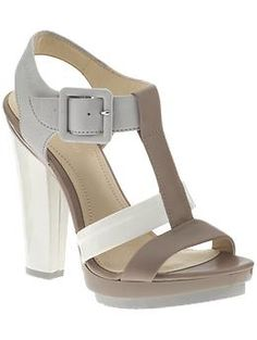 Oh beautiful - Calvin Klein gray/beige/white three-leather plateau sandals.