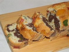 Reteta culinara Chec umed cu rahat din categoria Prajituri. Specific Romania. Cum sa faci Chec umed cu rahat