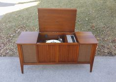 1968 Bluetooth stereo Zenith Mid Century Modern by Angeetiques