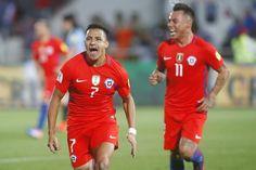 @Chile #Alexis y #Vargas #9ine Chile, Soccer, Sports, Tops, Fashion, Hs Sports, Moda, Football, Chili Powder