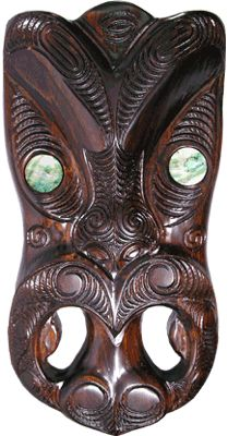 These carved wooden Maori Masks have a hole in the back for wall mounting. The Carved Wood Mask was used by the Maori to protect their homes from evil spirits. This Maori Carving includes some Maori Designs and is a good representation of Maori Art. Polynesian Art, Polynesian Tattoos, Maori Symbols, Maori Tribe, Tiki Tattoo, Tiki Statues, Maori Designs, Nz Art, Maori Art